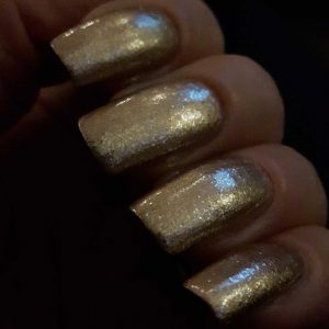glitz-glam-jewelry-topcoat-essence-yustsome-33-where-is-my-crowns-swatched-2a