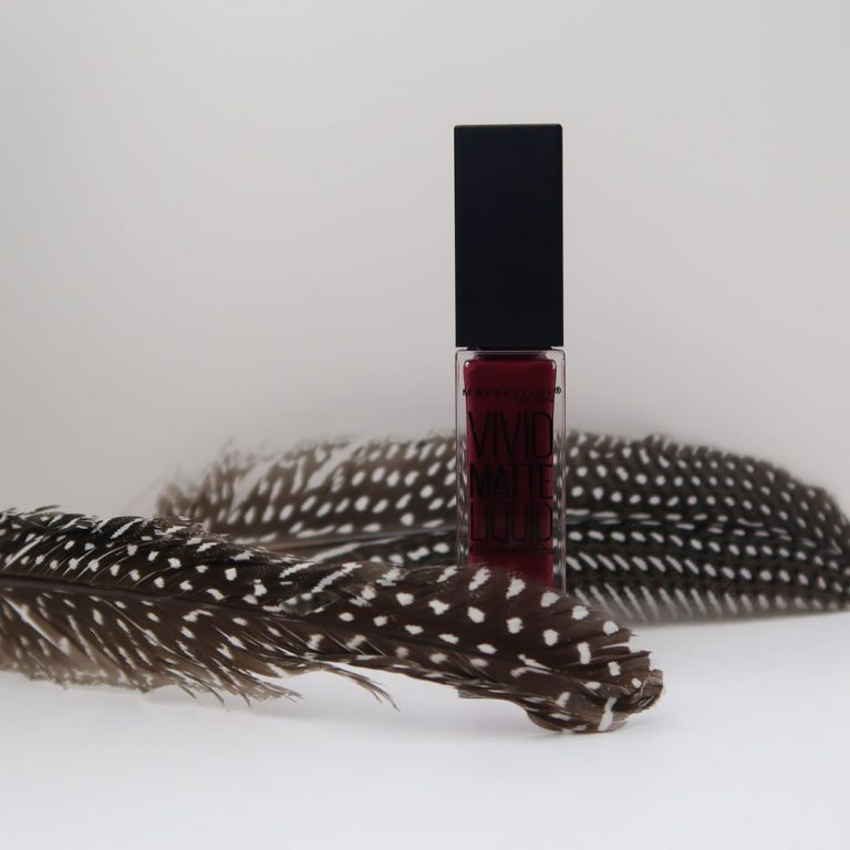 maybelline-vivid-matte-liquid-45-possessed-plum-yustsome-review-face-look4