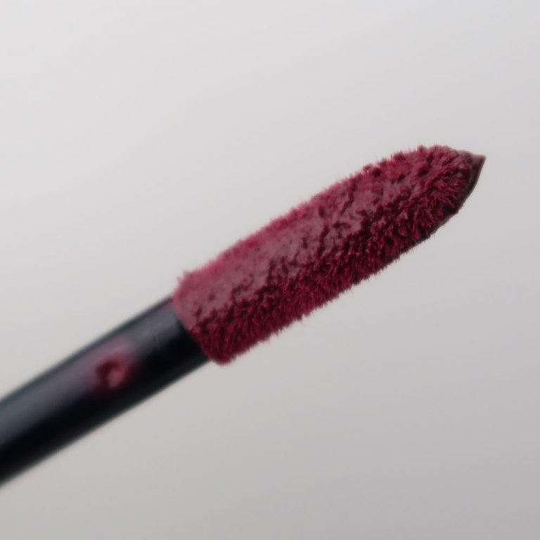 maybelline-vivid-matte-liquid-45-possessed-plum-yustsome-review-face-look5