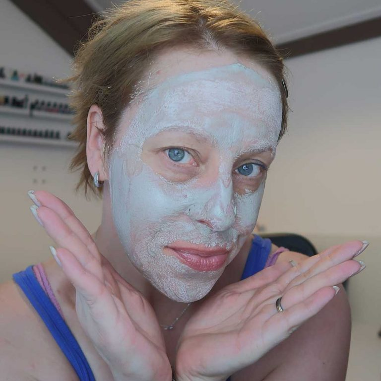 mineral-care-facial-mud-mask-pure-dead-sea-yustsome-review-cosmetitextpr-face