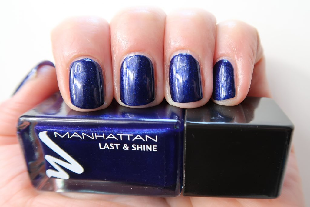 Manhattan-nailpolish-nagellak-nagellak-swatch-yustsome-880-Midnight-kiss-2