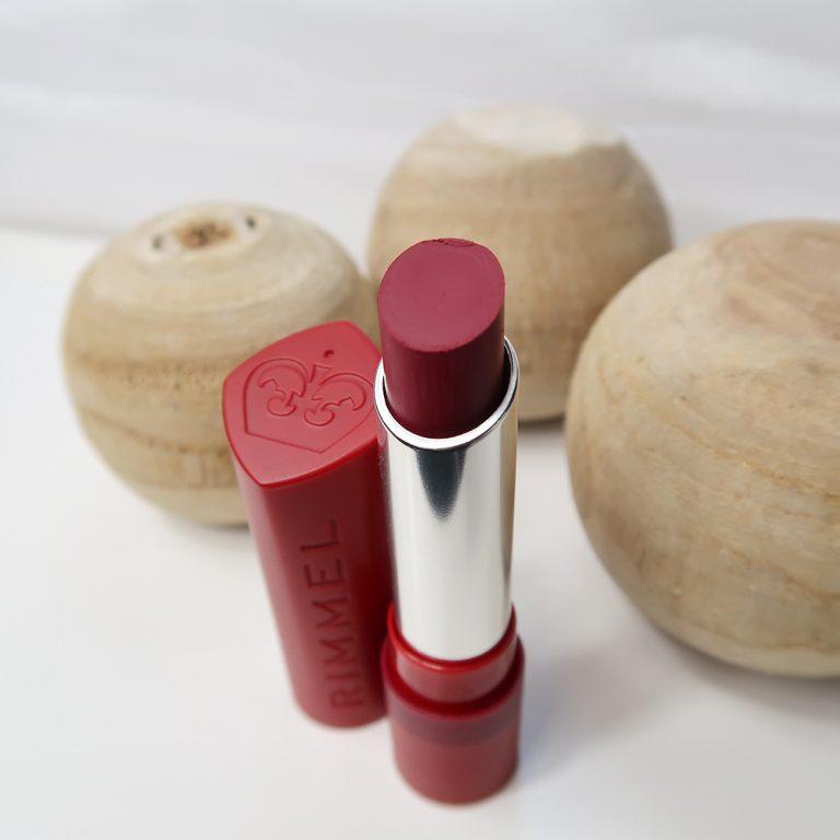 Rimmel-London-The-Matte-Factor-810-review-lipswatch-yustsome-lipstick-mat-2
