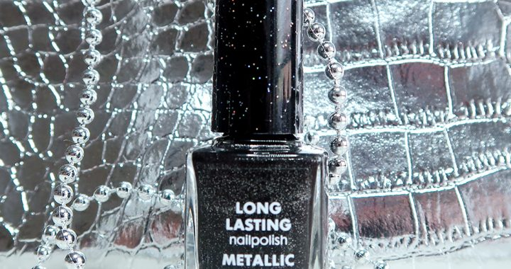 Hema-long-lasting-nailpolish-le-metallic-zwart-nagellak-swatch-yustsome-PROMO