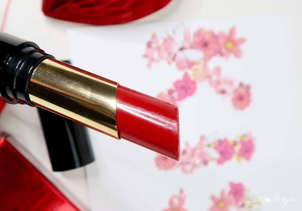 Revolution-liphug-lipstick-beauty-blog-blogpost-yustsome-i-am-ready-redlips-3
