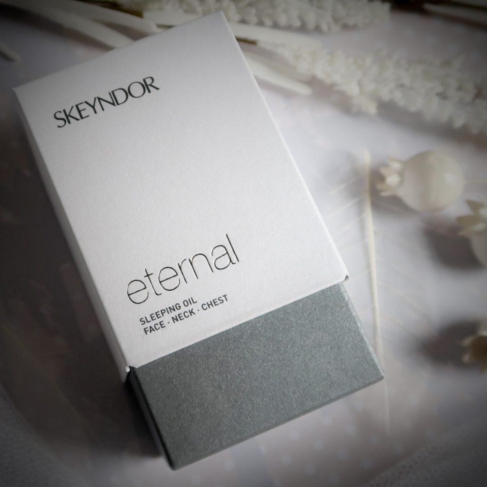 Eternal, line, skeyndor, slaap, olie, face, neck, cheat, nek, gezicht, verjongend, anti, age, beauty, blog, yustsome