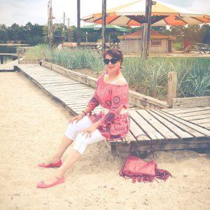 California, Dreaming, fashion, post,fashionista, pink, white, beach, wear, sun, 50 plus, beautysome